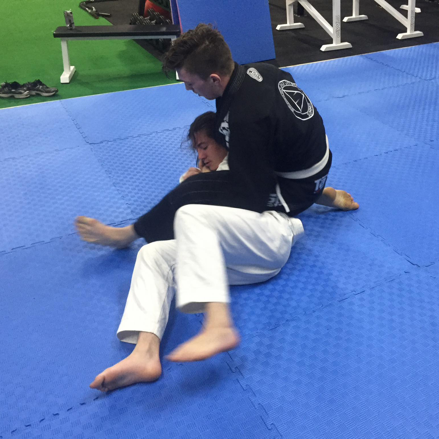 Summit jiu jitsu rolling