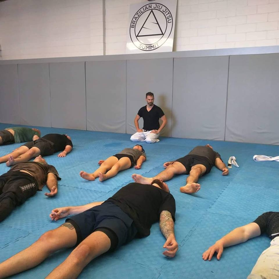 Summit jiu jitsu still